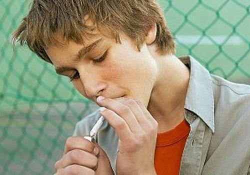 Pētījums: Latvijā smēķēt pamēģinājuši 78% jauniešu