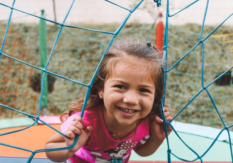 7 ieteikumi, kas palīdzēs attīstīt bērna socializēšanās prasmes