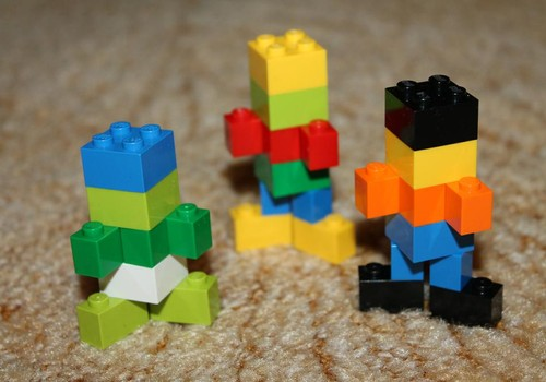 Lego sirsniņpilsēta.