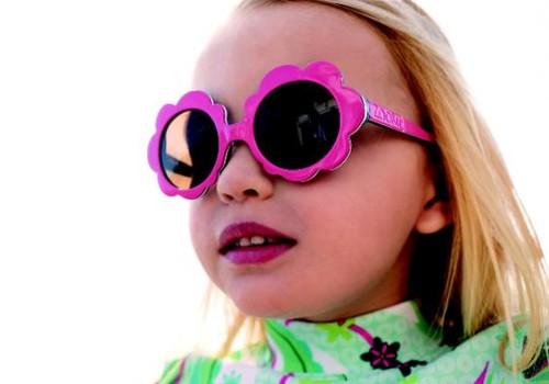 Kāpēc ir tik svarīgi, lai bērna saulesbrilles būtu kvalitatīvas?