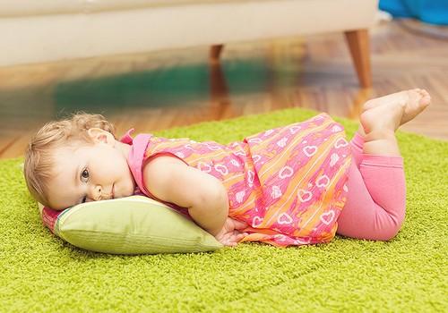 Vai bērniņš naktī jāmodina un jāved uz tualeti?