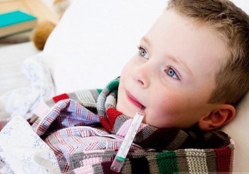 Kā zināt, kad bērnu vest uz slimnīcu vai saukt ātro palīdzību?