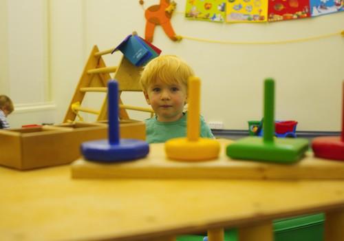 Nāc ciemos pie Klaudijas Hēlas Māmiņu Klubā un uzzini, kā rotaļāties ar bērniņu vecumā no 1 līdz 3 gadiem!