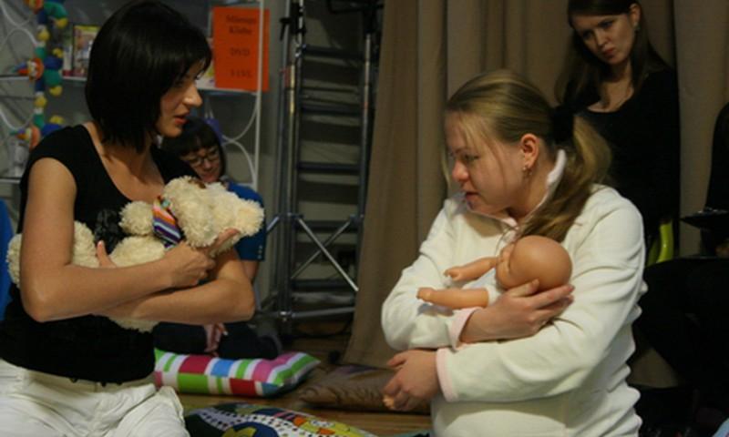 Māmiņu Kluba Vecāku skolas programma no 30. novembra līdz 4. decembrim