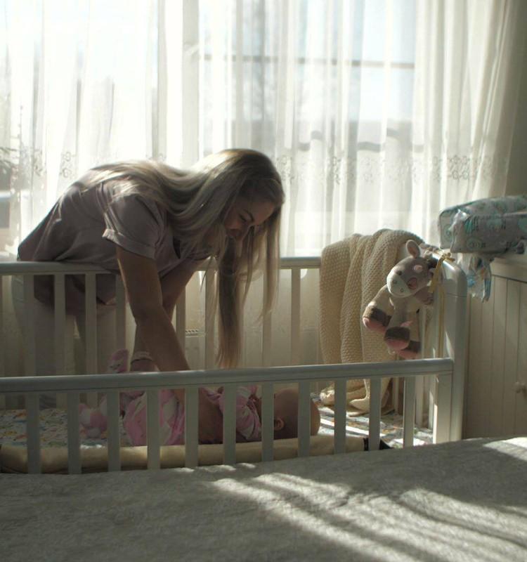 Bērna attīstība pirmajā dzīves gadā: Atbildes uz vecāku biežāk uzdotajiem jautājumiem par mazuļa miegu