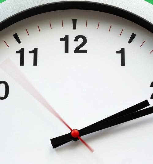 Kā iemācīt bērnam pazīt pulksteni?