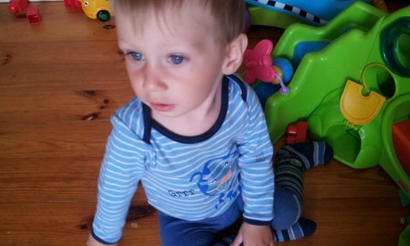 Aicina palīdzēt mazajam Maksimilianam, kurš cieš no retas slimības