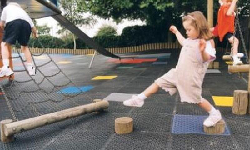 Ieteikumi, kā bērnam trenēt līdzsvaru