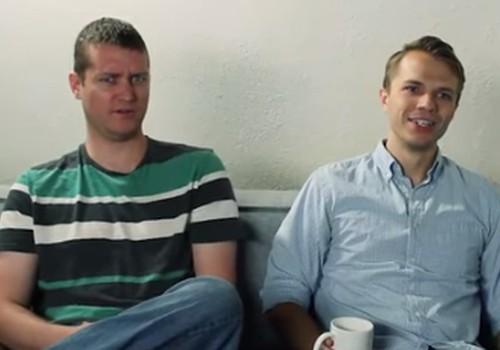Kā vīrieši reaģē uz dzemdībām? VIDEO ar amizantām grimasēm