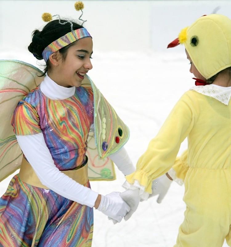 Aicinājums veselīgam bērnu dzīves veidam uz ledus un ticēt skaistā izdzīvošanai