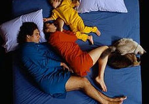 Kā atradināt no gulēšanas pie vecākiem?