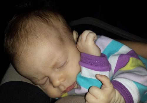 Jaundzimušā bērna miegs.