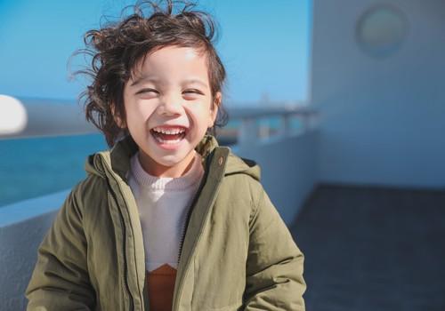 Kā izaudzināt savu bērnu par optimistu?