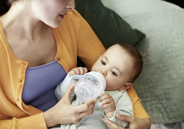 Padariet bērnam vieglāku dzeršanu no krūzītes: janvāra produktu testi