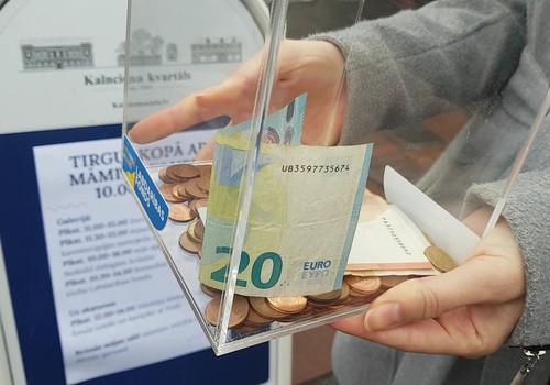 TIEKAMIES Māmiņu kluba Labdarības fonda ONLINE izsolē!