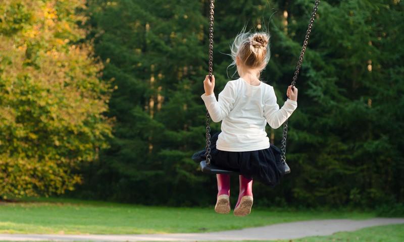 Lai mazinātu bērnu traumatismu, mediķi aicina uz pasākumu Zinošs un drošs