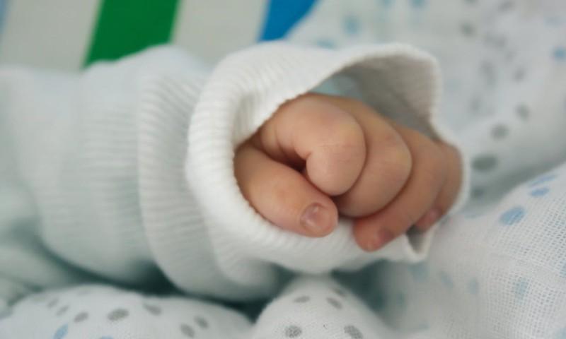 Kādam jābūt jaundzimušā apģērbam?