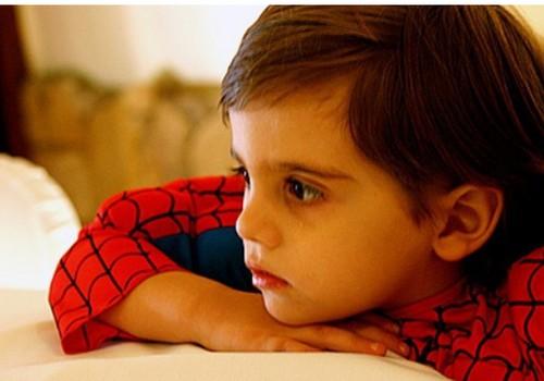 """Kā pasargāt bērnus no """"sliktajiem cilvēkiem"""": informācija vecākiem"""