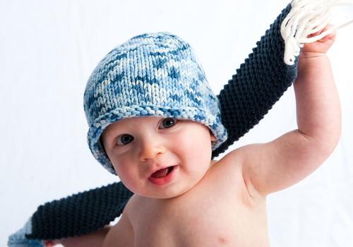 DIENAS SPĒLE: Kādā gadījumā no pastaigas ar 3 mēnešus vecu bērniņu jāatsakās?