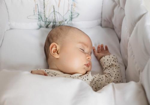 Kādu gultas veļu izvēlēties saldākam mazuļa miegam?