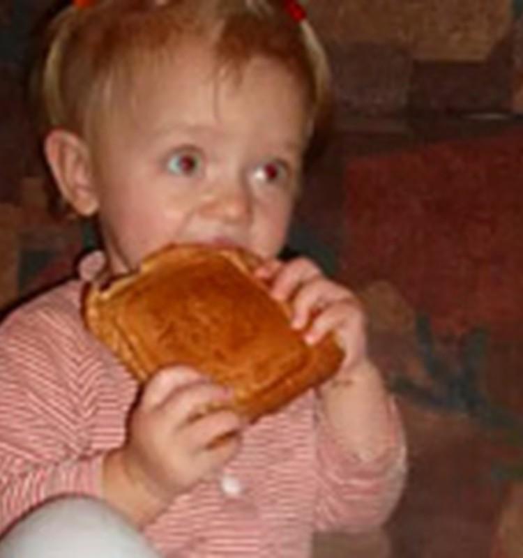 Video: mazais kārumnieks Keitija