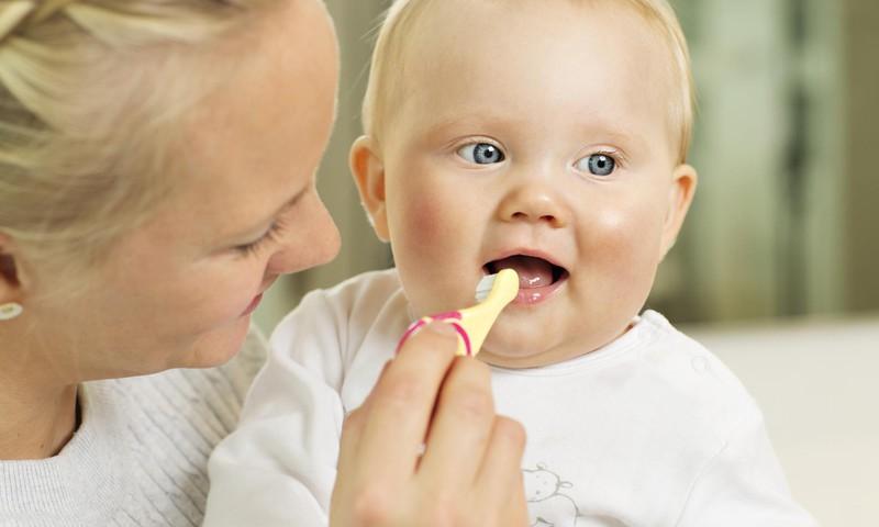 Veselīgs smaids sākas no pirmā zobiņa!