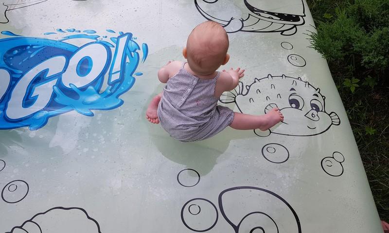 Mūsu vasaras labākais pirkums - ar ūdeni piepildāmais matracis