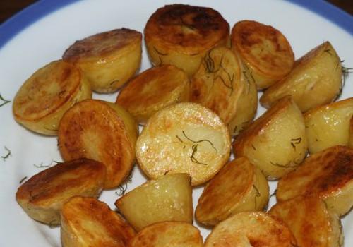 Jaunie kartupeļi cepeškrāsnī