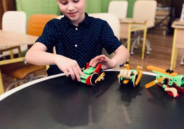 Darbošanās ar konstruktoriem attīsta bērna smadzeņu darbību