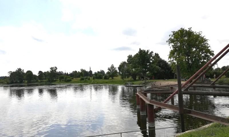 Rundāles muižas ūdensdzirnavu peldvieta