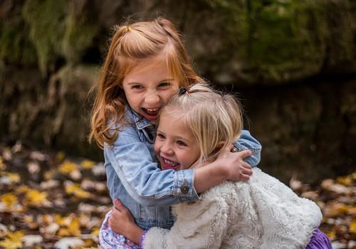 Kā izaudzināt laimīgu bērnu