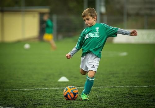 Kādas veselības pārbaudes jāveic bērniem, kuri intensīvi sporto?