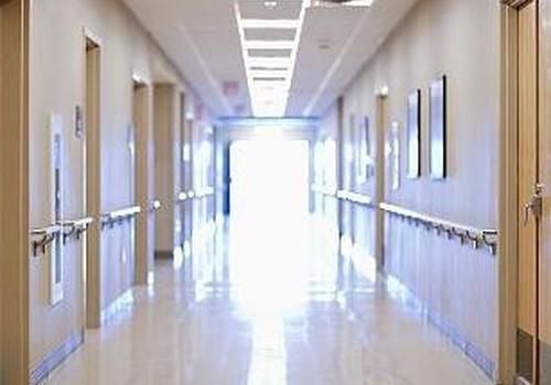 Meitenīte turpinās atveseļoties Bērnu slimnīcā