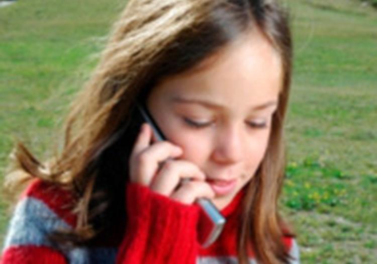 No 17. septembra visi pirmklasnieki var saņemt mobilos telefonus!