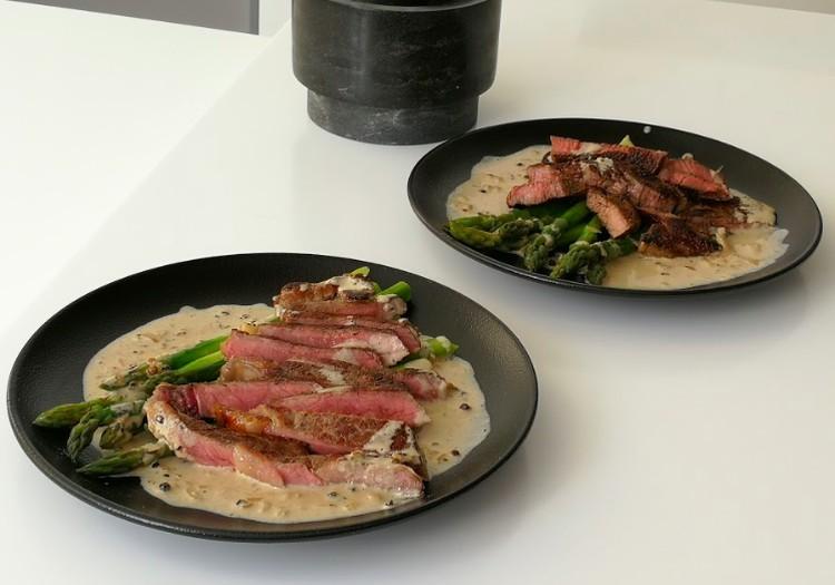 VideoRECEPTE: Liellopa steiks ar sparģeļiem