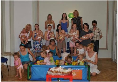 Svinam vasaras sākumu 1.jūnijā ar tusiņu Māmiņu Klubā!