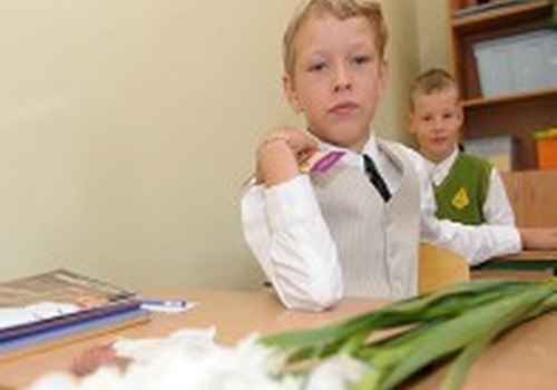 Broks: Vidējās izglītības iegūšanai līdz 18 gadu vecumam varētu pagarināt mācību gadu