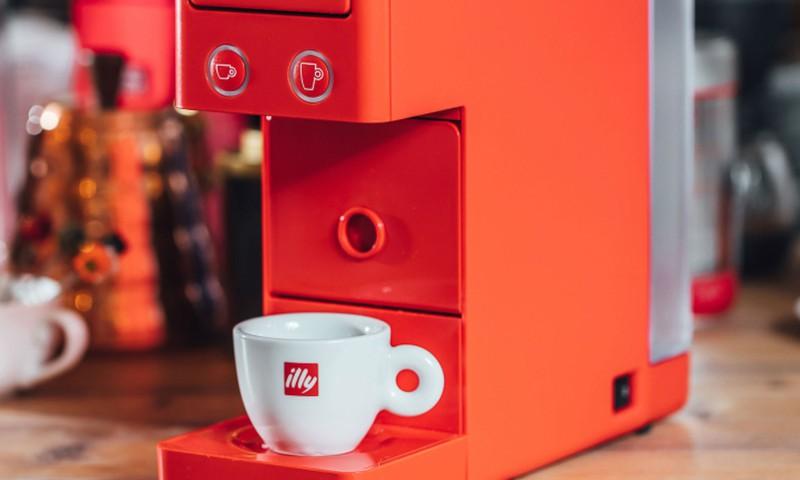 Konkurss: Laimē illy kafijas automātu!