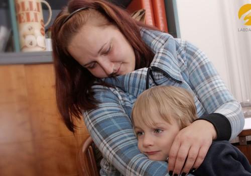 Māte sapņo, ka dēls dzirdēs un runās. Palīdzēsim!