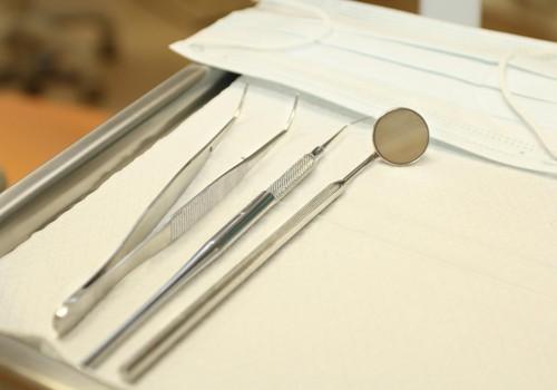 Stomatologi: Bērniem jāizmanto iespēja apmeklēt zobārstu par brīvu