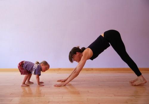 Vai jūs gribētu jogas klases Māmiņu Klubā? Mammai ar bērnu?