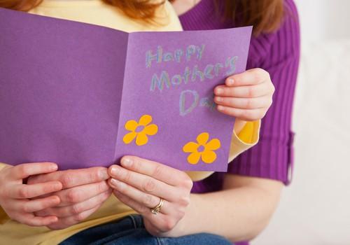 Sveicam visas Māmiņu Kluba māmiņas Māmiņdienā!