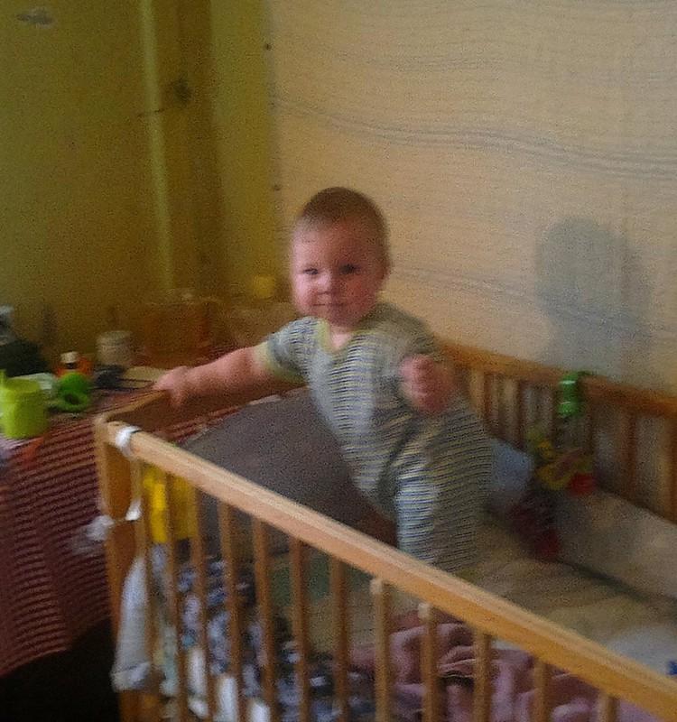 Uz savām kājiņām kopš 8 mēnešu vecuma