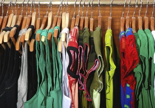 Tikai 33,7% aptaujāto, mazgājot apģērbu, ievēro ražotāja norādījumus