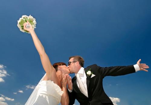 Precēties vai neprecēties?! JŪNIJA lielā tēma ir atklāta!