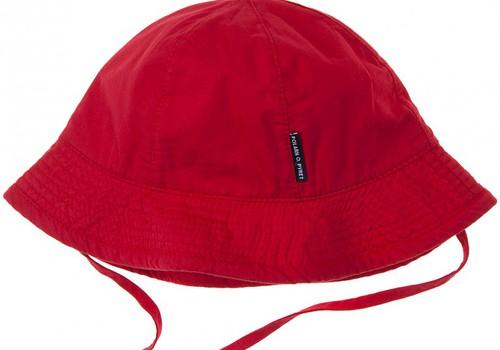 FOTO: Vasaras cepurīšu parāde aizsardzībai pret sauli