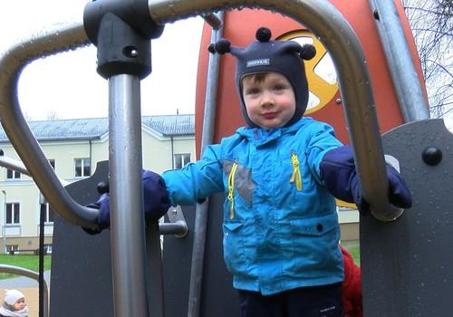 Kā jūs izvēlaties ziemas apģērbu aktīvam bērnudārzniekam?