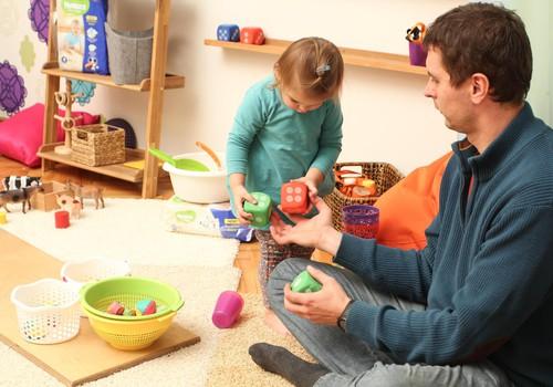 LABĀKAIS TĒTIS: parādiet MARTĀ, kā tēti rotaļājas ar bērniem!