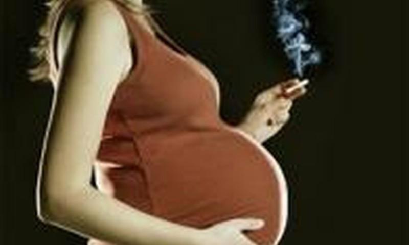 Smēķēšana  grūtniecības laikā palielina psihozes risku bērnam