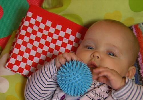 11.01.2015.TV3: laringīts bēbītim, karotītes izvēle piebarojumam, jaundzimušā pirmās dzīves dienas